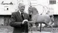Dent with a model of Leonardo's horse
